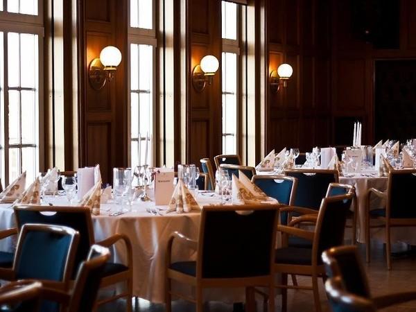 Maritime eventlocation am hafen in duisburg mieten for Restaurant mannheim hafen