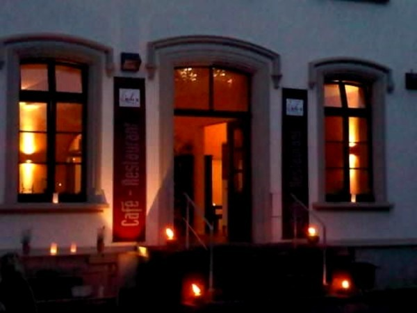 Be a Booker. Search hotels and more in Bonn