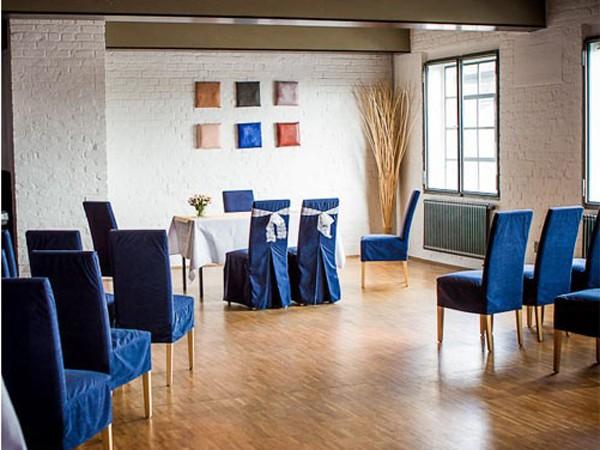 lounge und loft im k lner s den in k ln mieten. Black Bedroom Furniture Sets. Home Design Ideas