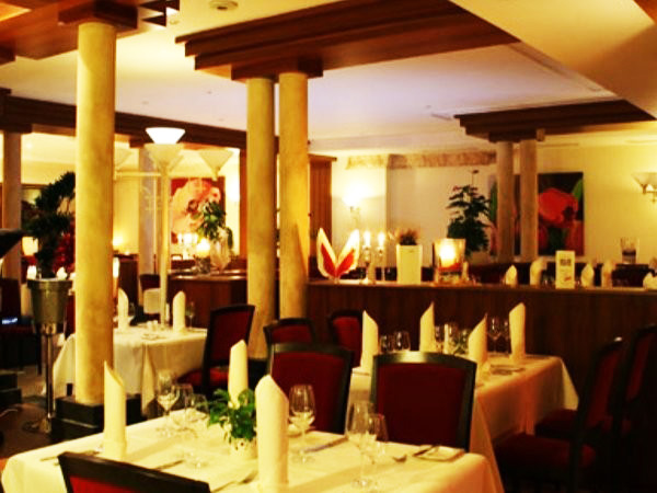 restaurant waisenhausplatz in pforzheim karlsruhe mieten. Black Bedroom Furniture Sets. Home Design Ideas