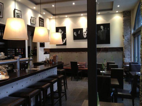franz sisches restaurant im glockenbachviertel in m nchen mieten. Black Bedroom Furniture Sets. Home Design Ideas