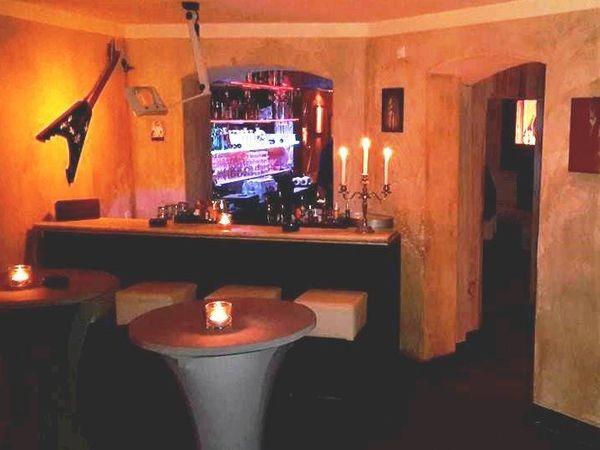 gem tliche lounge bar in berlin mitte in berlin mieten. Black Bedroom Furniture Sets. Home Design Ideas