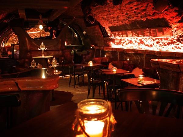 Absinth-Bar in historischem Gewölbe in Koblenz mieten