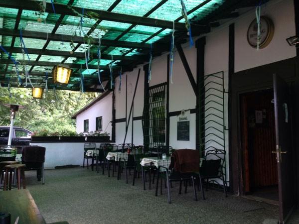 urige gastst tte in sachsenhausen in frankfurt mieten. Black Bedroom Furniture Sets. Home Design Ideas