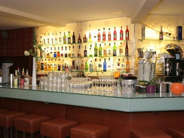 elegante bar in der city in freiburg mieten. Black Bedroom Furniture Sets. Home Design Ideas