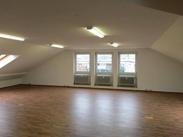 gro er seminarraum in guter lage in regensburg mieten. Black Bedroom Furniture Sets. Home Design Ideas