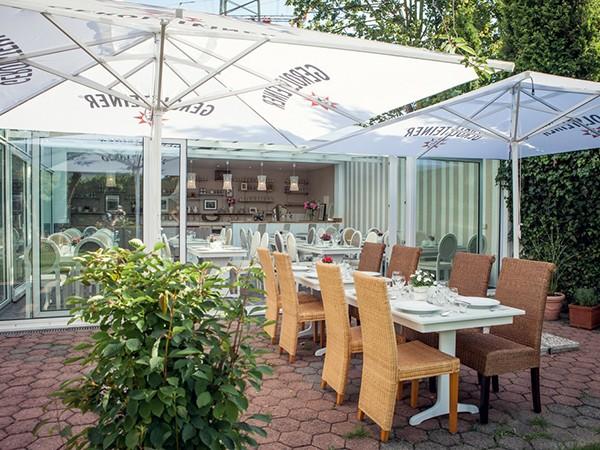 gem tliches restaurant mit wintergarten in essen mieten. Black Bedroom Furniture Sets. Home Design Ideas