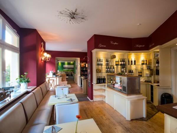 stilvolles restaurant im komponistenviertel in berlin mieten. Black Bedroom Furniture Sets. Home Design Ideas