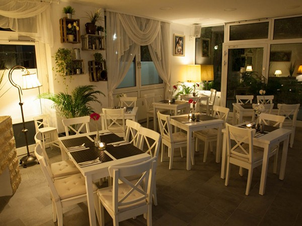 Gemütliches Restaurant mit offener Küche in München mieten ...