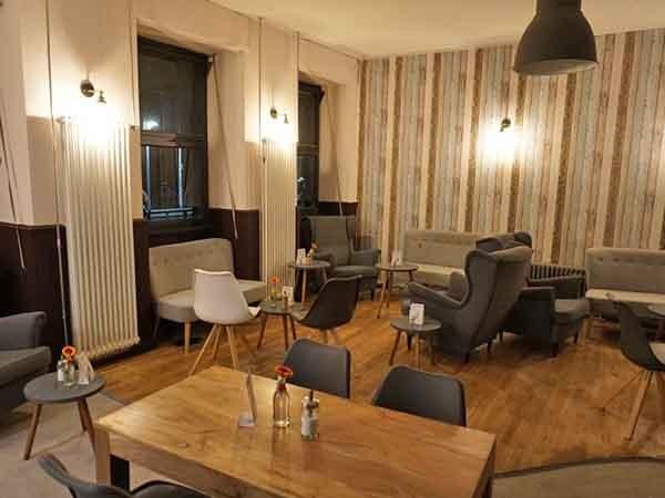 Partyraum In Karlsruhe Cafe Mit Wohnzimmer Atmosphare