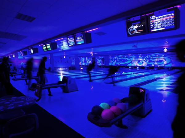 bowling center in waldkirch bei freiburg mieten. Black Bedroom Furniture Sets. Home Design Ideas