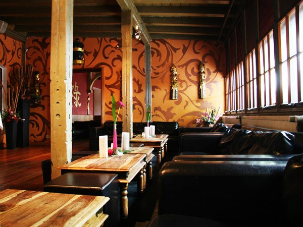fern stlich asiatische eventlocation in stuttgart. Black Bedroom Furniture Sets. Home Design Ideas